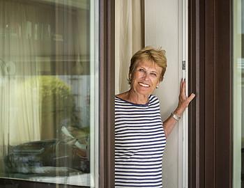 Mein Klimaschutz: Doris aus Hamburg setzt auf energiesparende Fenster und Türen.